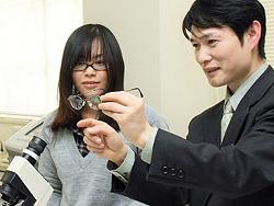 メガネ専門学校を出ると良いめがね屋さんになれるのかい?|PCメガネドットコム